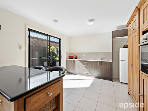 Photo of property at 10 Asteria Crescent, Cranbourne West 3977
