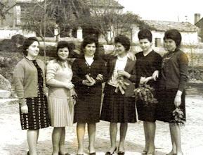 Photo: Rori, Tita, Candi, Melos, Pili y Libi.