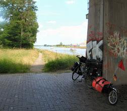 """Photo: beginnt ein """"toller"""" Radweg"""