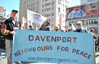 Photo: Solidarity from the Davenport community.