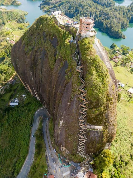 La Piedra Del Peñol, um imenso monolito colombiano