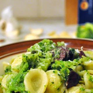Orecchiette Pasta with Broccoli and Olives