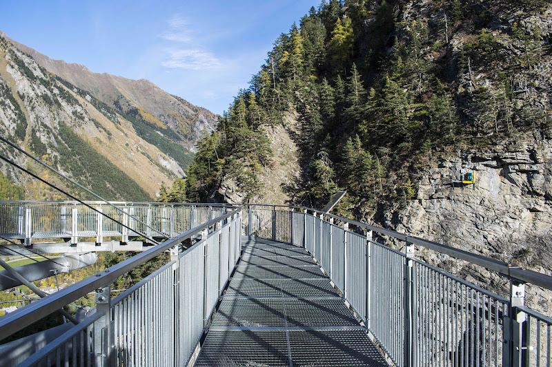 Il ponte dell'orrido. di valuxino