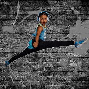 Dancing to Beats Audio by Sean Walker - People Musicians & Entertainers ( jumping, urban dance, hip hop, beats audio, dance )