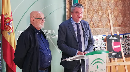 El delegado y el presidente de ARA, en la presentación de las actividades.