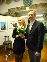 """Photo: Finissage der AUSSTELLUNG WERNER KAUFMANN / Fotos """"Das andere Athen"""" am 4.5.2016. Olga Czerwinski (Sopran), Pavel Singer (Pianist  und Komponist. Copyright: Esther Hatzi"""