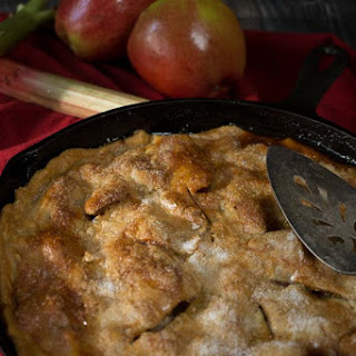 Apple Rhubarb Skillet Pie