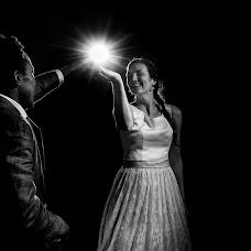 Wedding photographer Louise van den Broek (momentsinlife). Photo of 01.10.2017