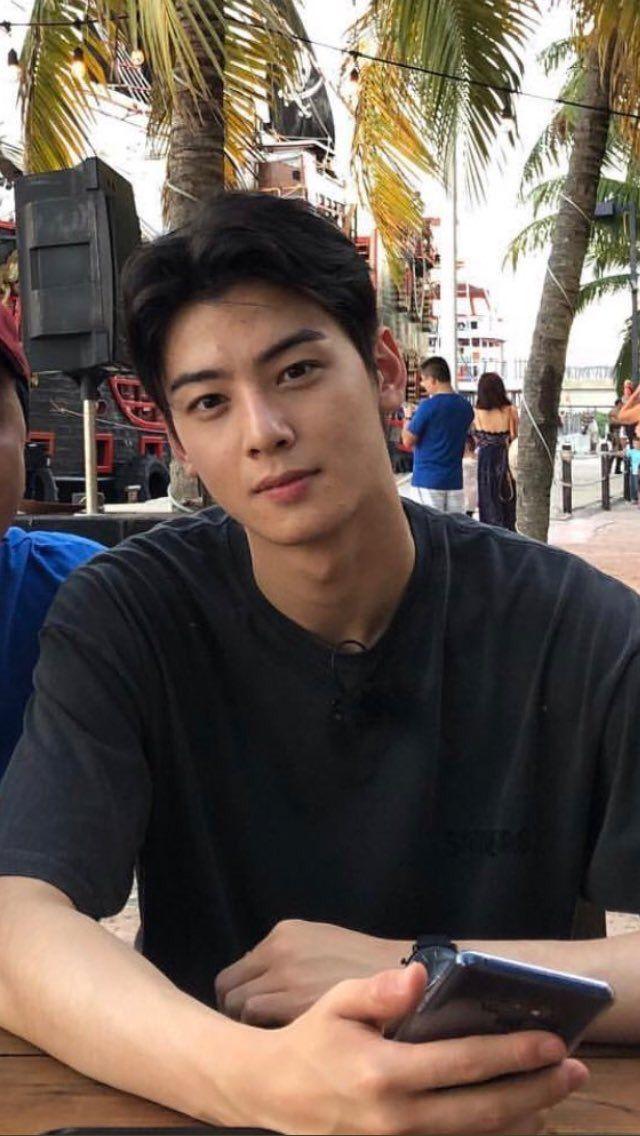 eunwoo boyfriend 17