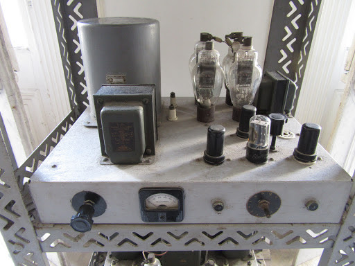 Che Guevara's Tube Radio Transmitter used during the campaign in Las Villas