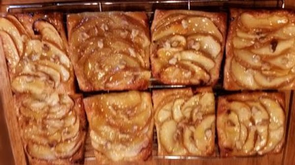 Easy Apple-walnut Tarts Recipe