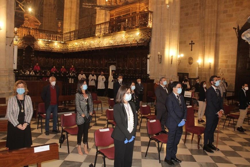 El alcalde, concejales y diputado provincial asistieron a la celebración del Patrón de la Diócesis.