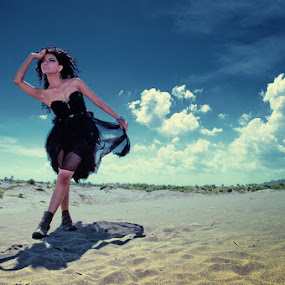 Dark Queen by Yanuar Nurdiyanto - People Portraits of Women ( model, sky, woman, indonesia, nikon, photography )