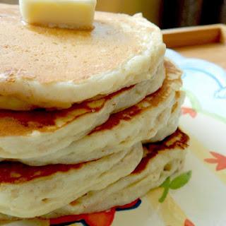 Healthy Greek Yogurt Oatmeal Pancakes