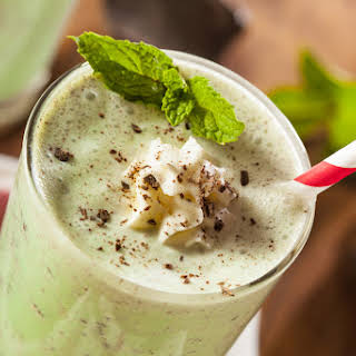 DAIRY-FREE THIN MINT SMOOTHIE.