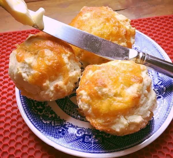 ~ Golden Cheddar Muffins ~