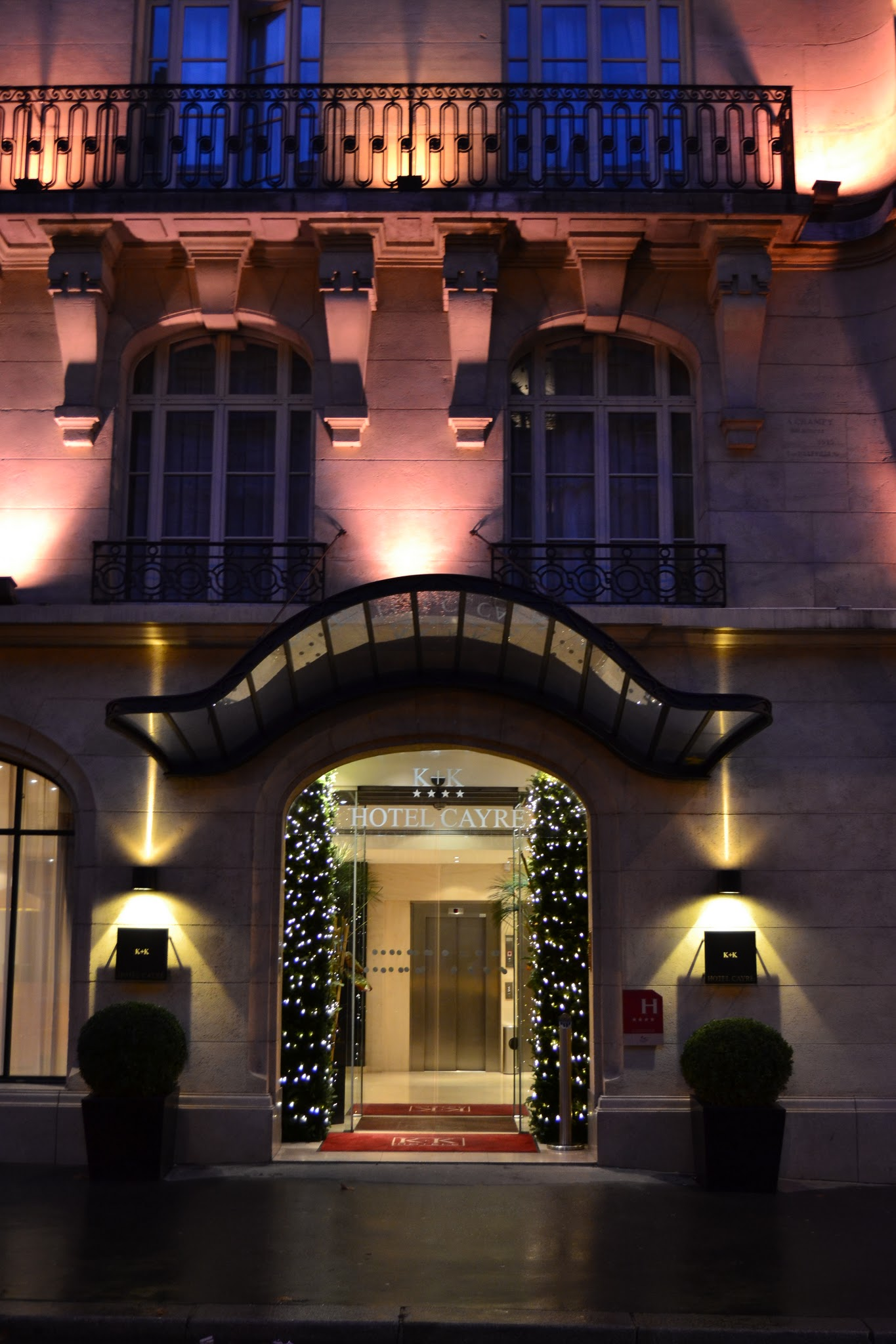 Photo: Christmas time at K+K Hotel Cayré in Paris