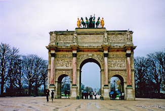 Photo: 2002-11-23. Parijs. Arc de Triomphe du Caroussel.  www.loki-travels.eu