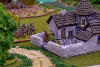 Photo: L'abitato di Oldbridge (miniature Lurkio (materiale scenico Magister Militum e autocostruito)
