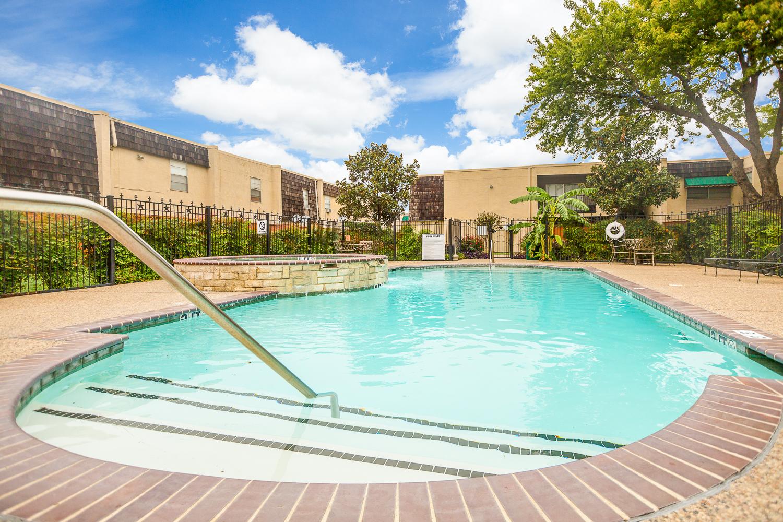 University Gardens Apartments In Waxahachie Texas