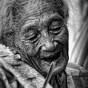 Old Woman by Gideon Sooai - People Portraits of Women ( black and white, senior citizen, people )