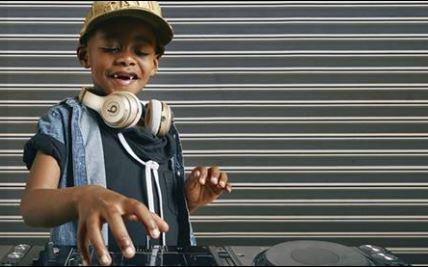 'Sê dat hulle my nie Bantoe-onderwys moet leer nie' - Zakes Bantwini op die huiswerk van DJ Arch Jnr - SowetanLIVE Sunday World