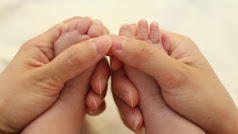 Charla en Serendipia sobre los beneficios en bebés del masaje infantil.