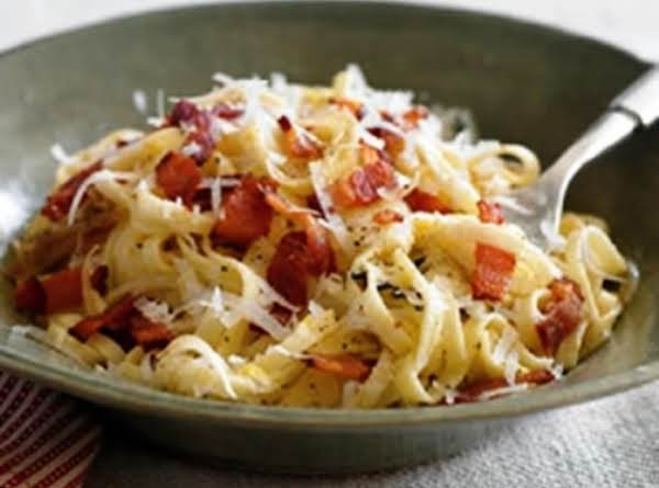 Linguine With Bacon And Onions Recipe