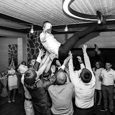 Wedding photographer Alena Rumyanceva (Binary). Photo of 25.08.2017