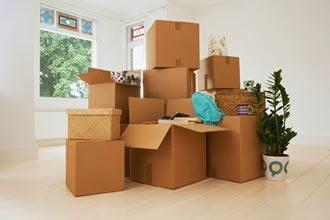 chuẩn bị thùng carton trước khi chuyển nhà
