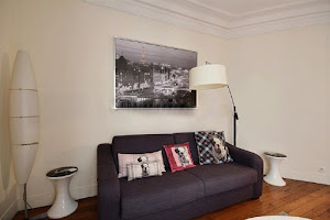 1 Bedroom Serviced Apartment in Louvre Street living room