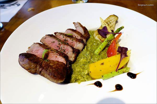 台中西區 餐酒館│ARENA 遊戲主題餐廳。享受美食的同時還能來場精彩的撲克競技!(文末讀者優惠)