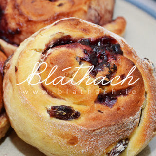 Blackcurrant Rolled Buns