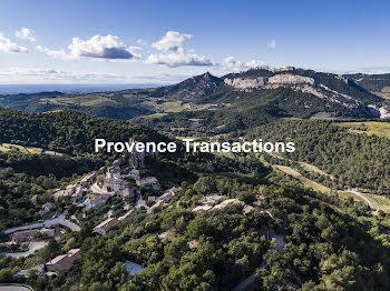 propriété à La Roque-Alric (84)