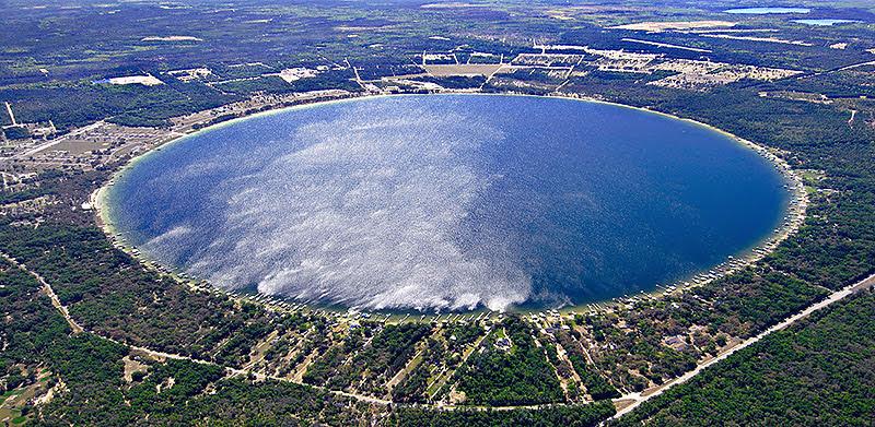 Lago Kingsley, o lago de um círculo perfeito