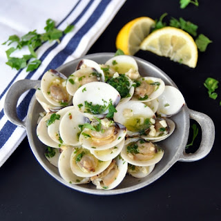 Clams in White Wine Sauce.