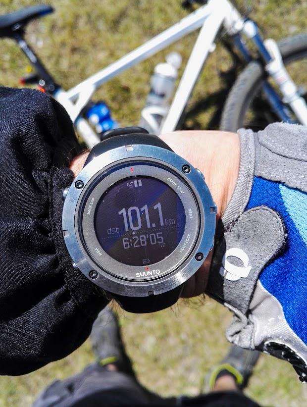 В этом месте я выполнил задачу Grand Fondo в сервисе Strava проехав 100 км. Часы Suunto Ambit3 Peak Sapphire HR
