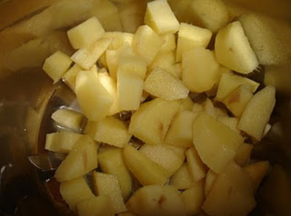 Frist slice the ginger into medium size chunks & palce in a medium bowl....