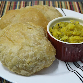 Poori Bhaji ~ Deep Fried Indian Flatbread and Potato Curry