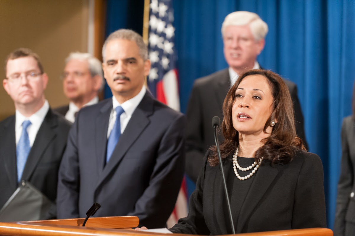Kamala Harris places trigger warning on email about lynching