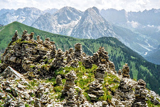 Photo: Blick vom Schafreuter zur Engalm  - längere Wanderungen in den Bayerischen- und Tiroler Alpen   http://pagewizz.com/laengere-bergtouren-mit-fotos-bayerische-alpen-und-tiroler-alpen/ (Aufrufe: 58462)