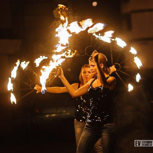 FlyStone — световое и огненное шоу в Самаре