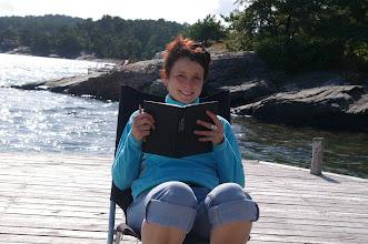 Photo: Lesen am Meer. Da gehts gleich noch besser mit dem norwegisch :-)