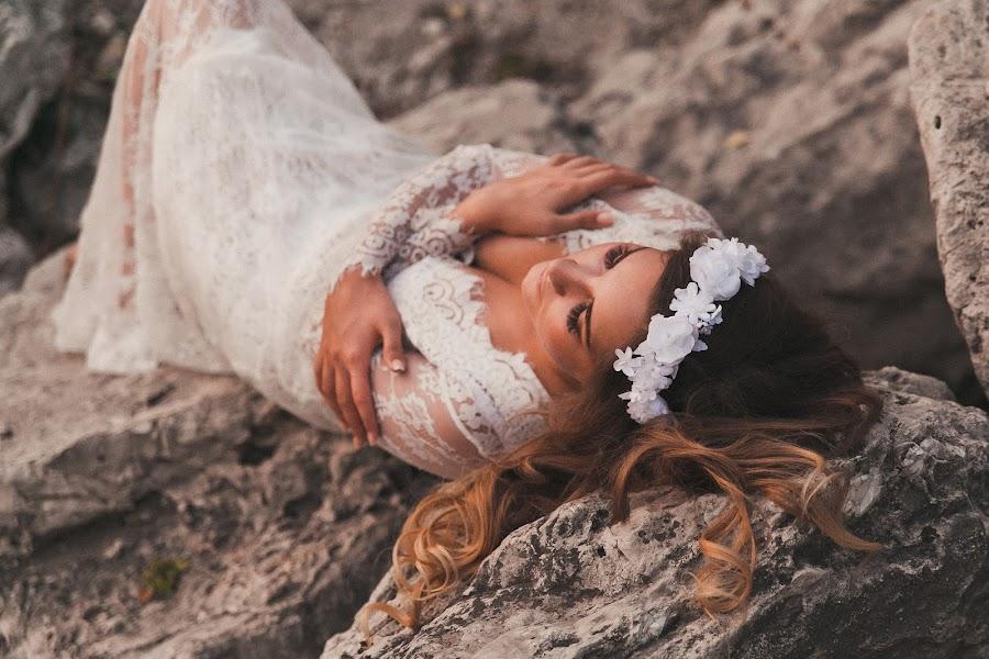 Wedding photographer Anya Grebenkina (grebenkinaann). Photo of 26.08.2016