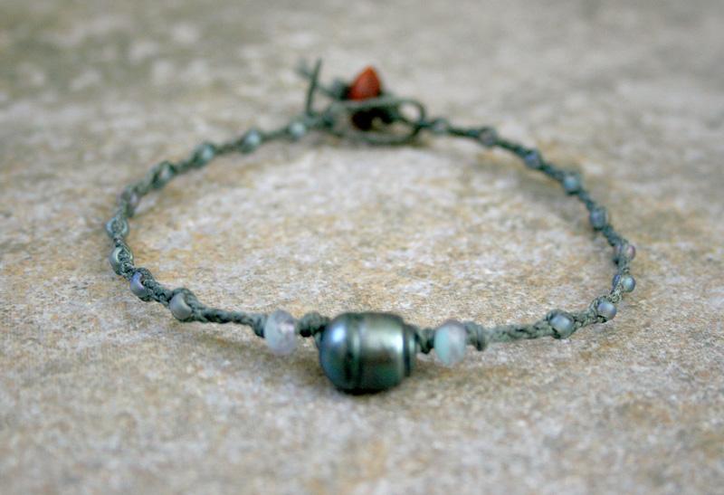 Photo: http://www.etsy.com/shop/AhteesDesigns Beach Jewerly! A pearl bracelet!