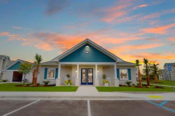 Go to Coastal Club Apartments website