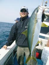 Photo: おおー5.3kgでしたー! ・・・しかし、ファイトはアジ、サバを釣るような軽々しいファイトで。
