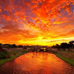 The Burning Sky by Esron Panjaitan - Landscapes Sunsets & Sunrises ( waterscape, sunset, cloud, landscape, nightscape )