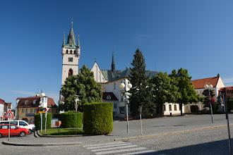 Photo: W mieście dominującym obiektem jest kościół św. Mikołaja. Pierwsza wzmianka na temat świątyni pochodzi z 1233 roku.