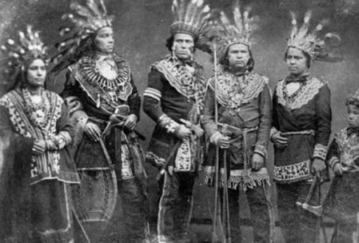 Grupo de indios Ojibwa